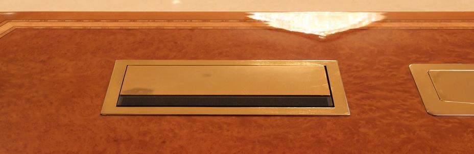 конференцзал Beyerdynamic MCS-D 200 1-2.jpg