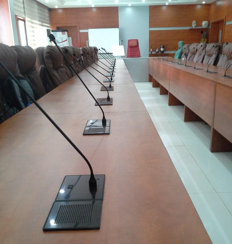 конференцзал Beyerdynamic Orbis 3-1.jpg
